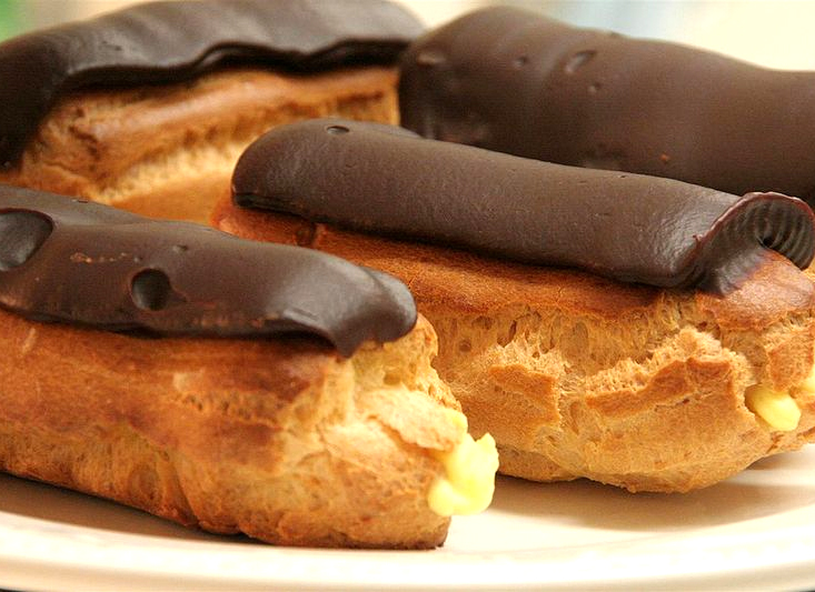 Simple Eclairs picture