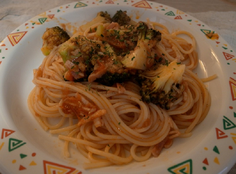 Spaghetti with Chicken and Broccoli picture