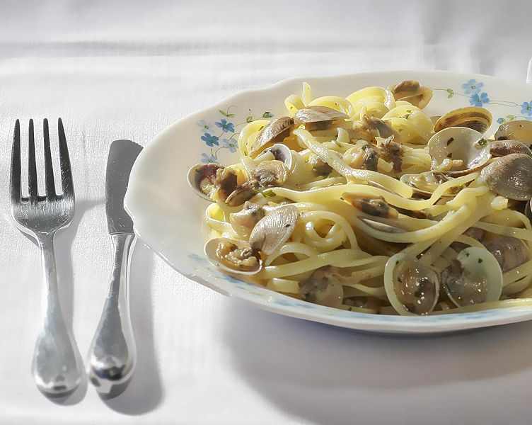 Spaghetti With Clam Sauce picture
