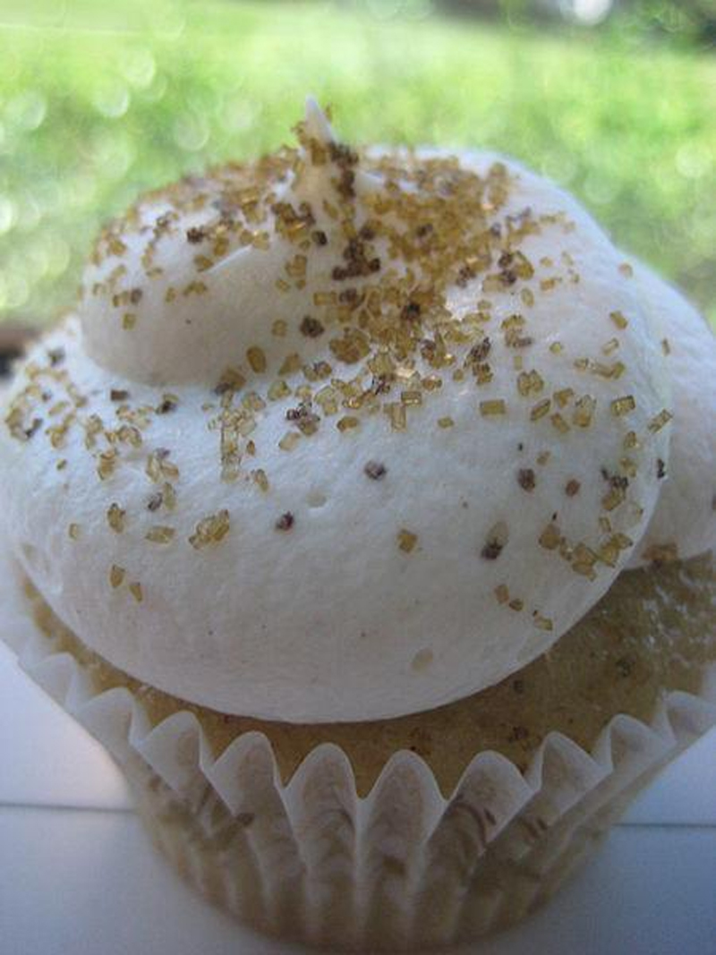 Raisin Spice Cupcakes picture