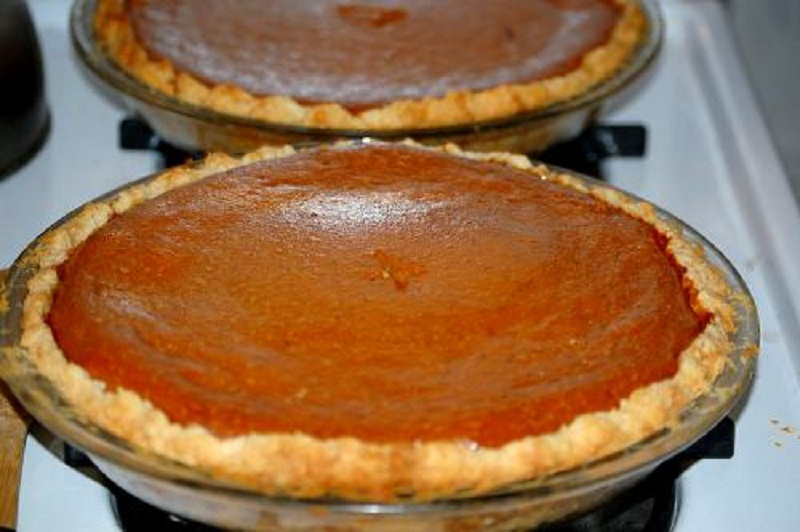 Spicy Molasses Pie picture
