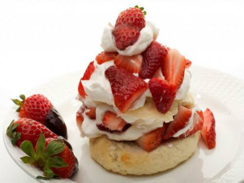 Strawberry Shortcake With Whipped Topping picture