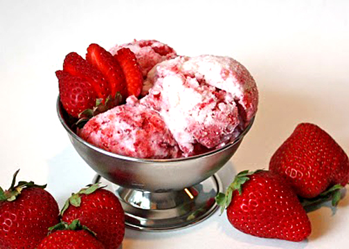 Fresh Strawberry Ice Cream picture
