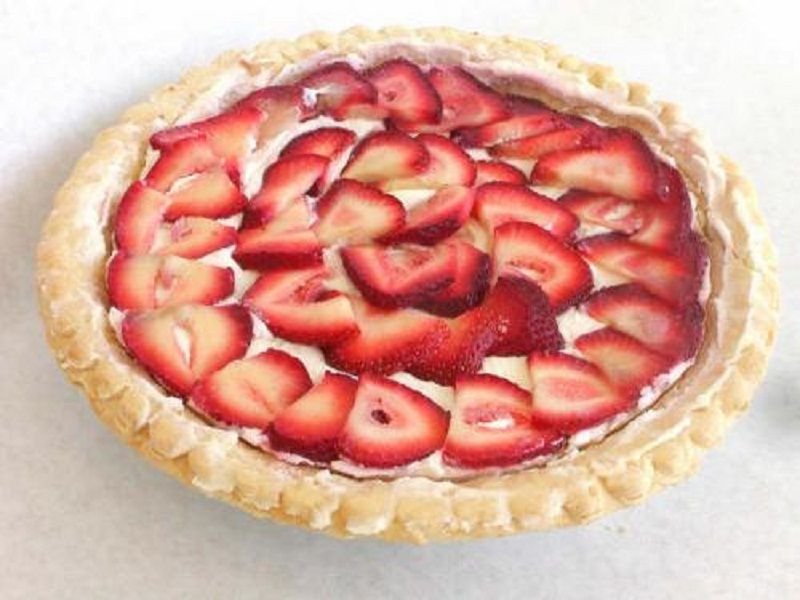 Strawberry Mallow Cream Pie picture