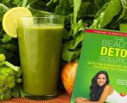 Kimberly Snyders Glowing Green Smoothie