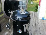 Pulled Pork On The Mini Wsm Easy Pork Butt Recipe On The Mini Weber Smokey Mountain