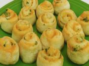 Bettys Cheesy Crescent Roll Spirals Christmas