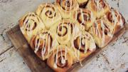 How To Make Cinnamon Rolls 1006094 By Videojug