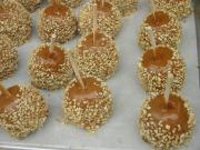Pecan Caramel Apples