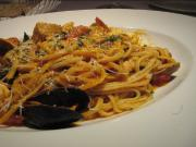 Linguine with Mussels, Sun Dried Tomatoes and Olives