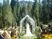 Outdoor wedding themes can make your wedding memorable