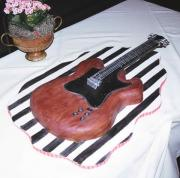 make a cool guitar cake without breaking a sweat