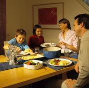 How to Have a Stress-Free Family Meal?