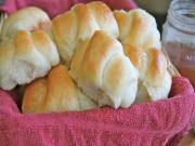 Easy Sweet Dinner Rolls (Honey Butter)