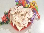 Homemade Holiday Peppermint Bark Candy