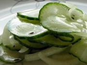 Easy and Delicious Sesame Cucumber Salad