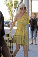 Tori Spelling Fed Up Of Her Skinny Look!!!