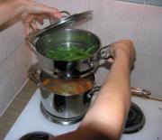 Steaming vegetables at home