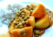 Potato and Green Peas Curry