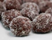 Bourbon-Cocoa Balls