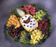 Fruit trays make excellent Thanksgiving snacks for kids