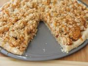 Caramel Apple Crisp Pizza (Dessert Pizza)