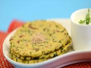Methi Palak Aur Makai ki Roti (Protein Rich) by Tarla Dalal