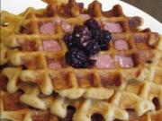 Easy Waffle with Blackberries and Yogurt