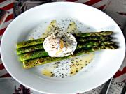 Healthy Asparagus with Poached Eggs