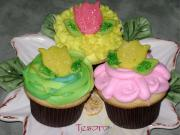 Tulip Cupcakes are great for kid's spring party