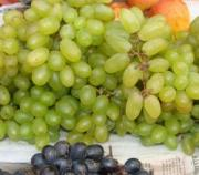 Health effects of eating rotten grapes