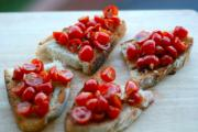 Bruschetta - How to eat