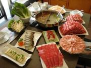 Chinese hotpot is very different from the Swiss fondue.
