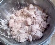 Tips on how to season chicken - flour and chicken