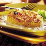 This creamy casserole never fails to give an immense satisfaction to all the vegetarians.