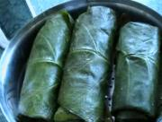 Steaming curried Patra Taro Leaves