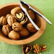 Learn the great effects of walnut on cholesterol