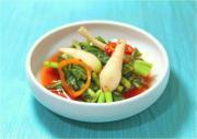 Korean Food: Yeoul Mu Kimchi (Young Summer Radish Kimchi) - 열무 김치