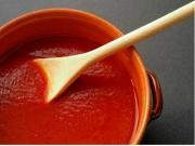 Easy and Homemade Tomato Sauce
