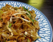 Egg Noodles In Yellow Bean And Chilli Sauce
