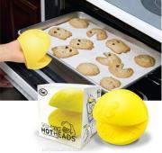 Funny Gadget : Pac Man Oven Mitt