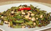 Spicy Green Beans with Peanuts and Soy Sauce
