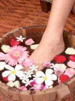 make fruit enzyme foot soak to pamper your feet