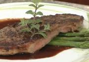 Seared Seasoned Beef Sirloin Filet with Garlic Chianti Pan Sauce