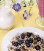 Raw Granola with Almond Milk
