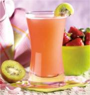 Fruit drinks are natural, tasty and healthy options for cooling yourself