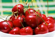 How to freeze fresh cherries with a pit