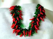 Look hot with this chili pepper necklace