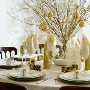 Gold is the ideal theme color for your 50th wedding anniversary party