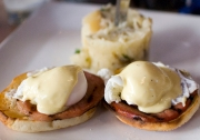 Gourmet Style Eggs Benedict